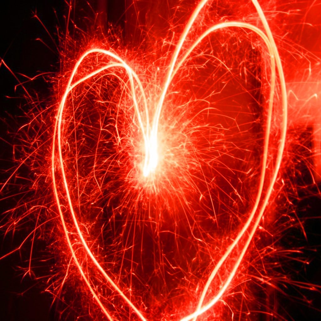 fuochi artificio scenografici cuore rosso